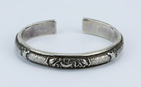 A Chinese Antique Silver Bangle
