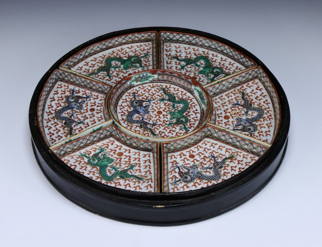 A Chinese Porcelain Sweet Meat Tray Set