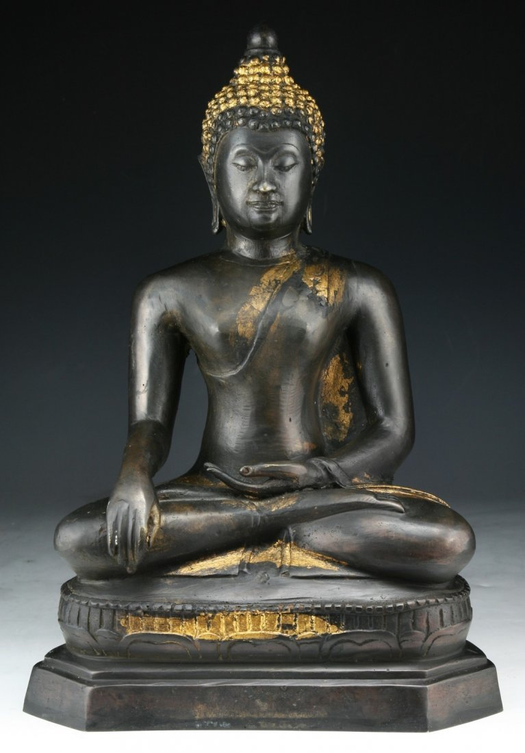 A Chinese Antique Bronze Buddha