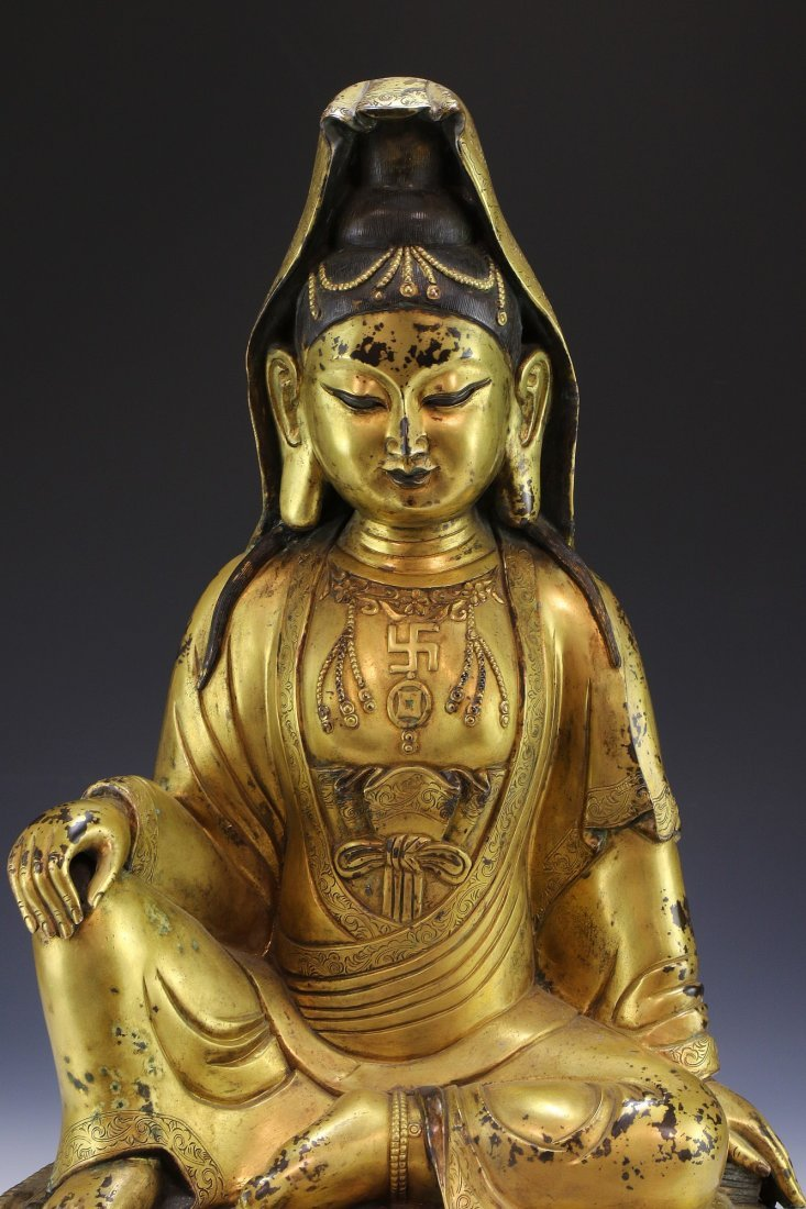 A MASSIVE CHINESE ANTIQUE GILT BRONZE BUDDHA - 3