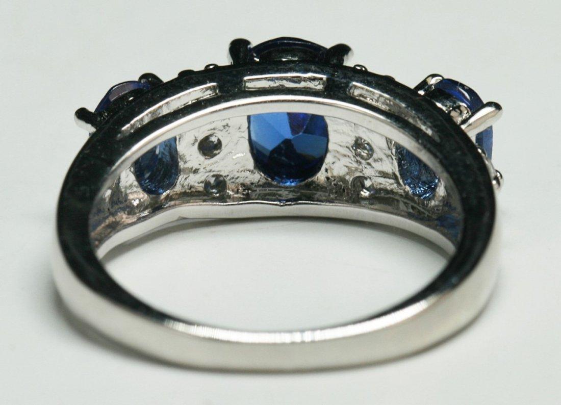 A Three Stone Sapphire Ring - 3