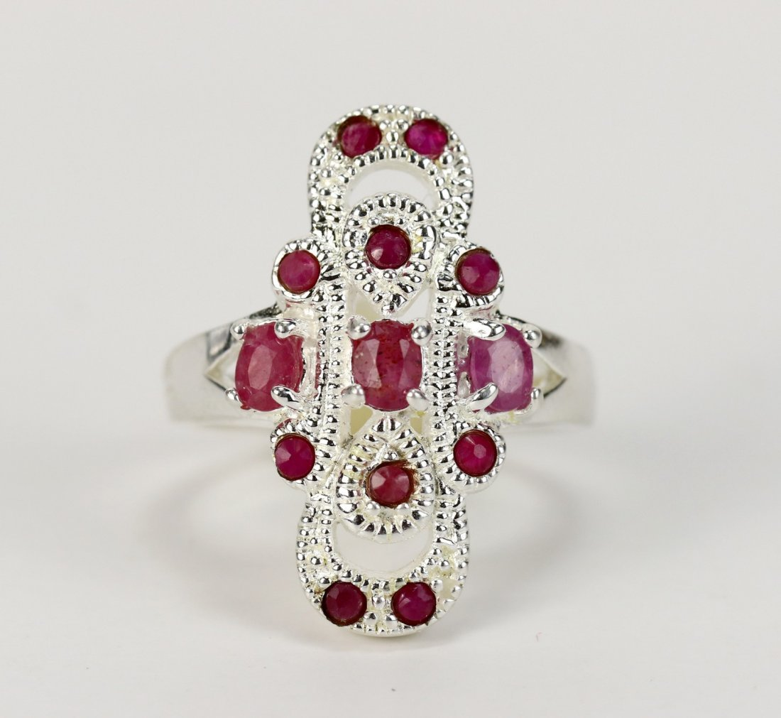 A Ruby Ring, 14K White Gold - 2