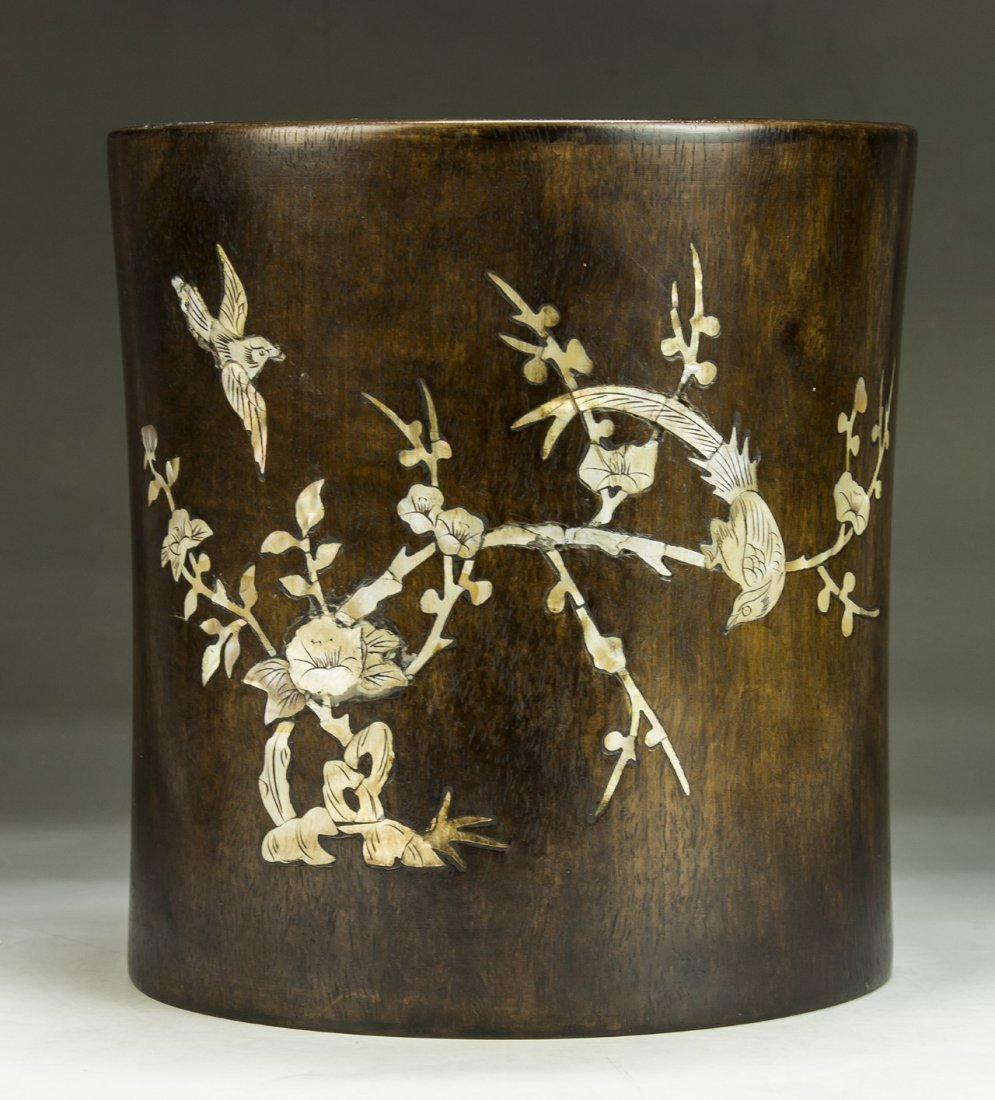 A CHINESE WOOD CARVED BRUSH POT