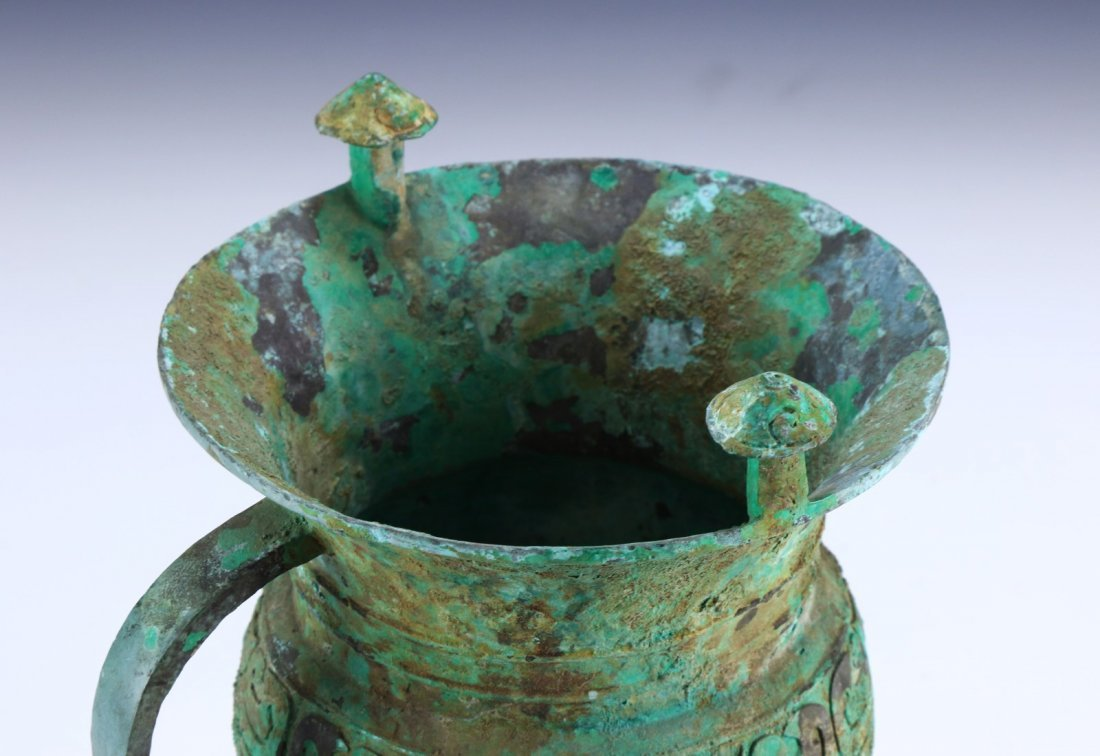 A CHINESE ANTIQUE BRONZE JUE CUP - 3