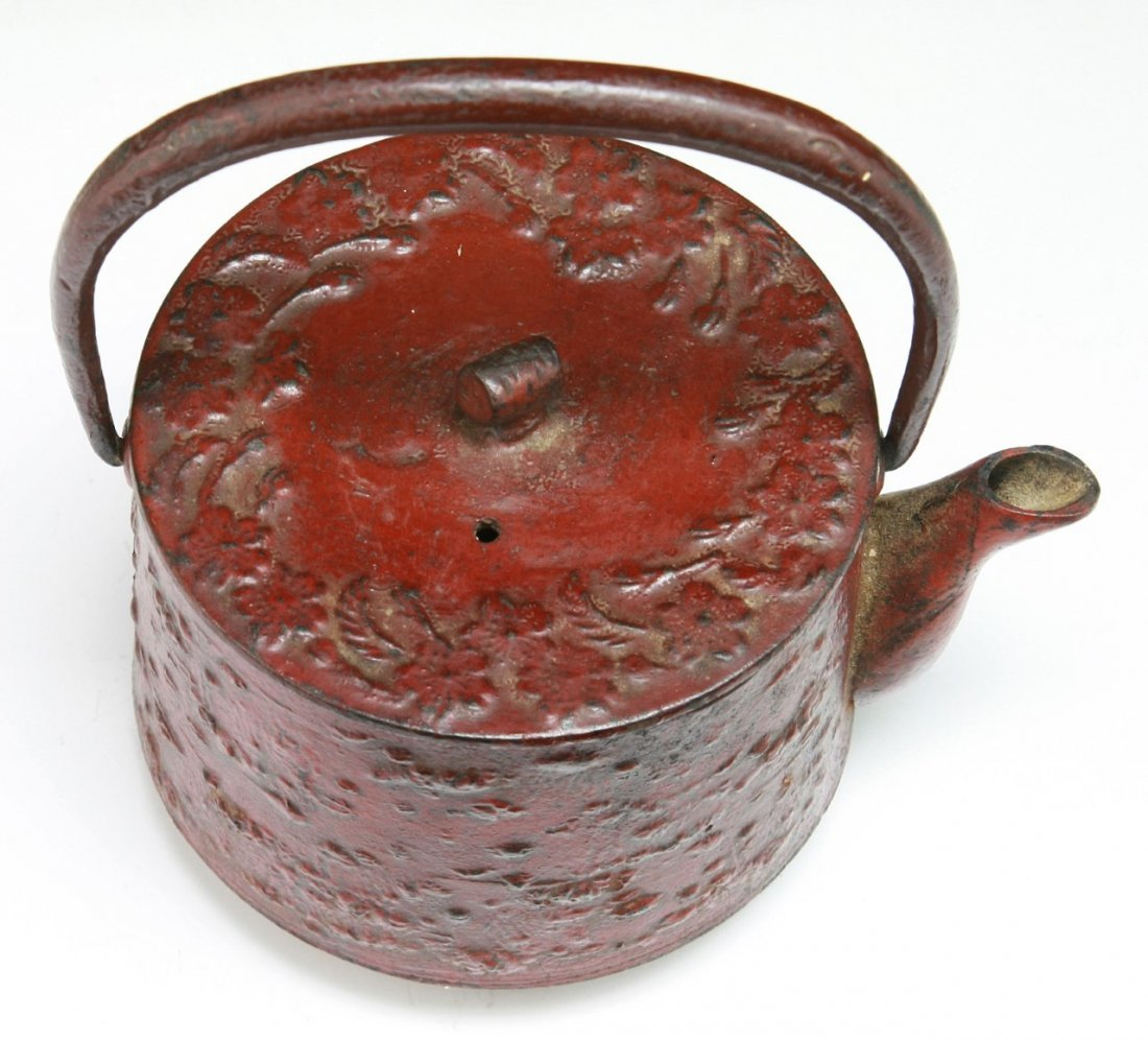 A JAPANESE ANTIQUE IRON TEAPOT WITH COVER - 3
