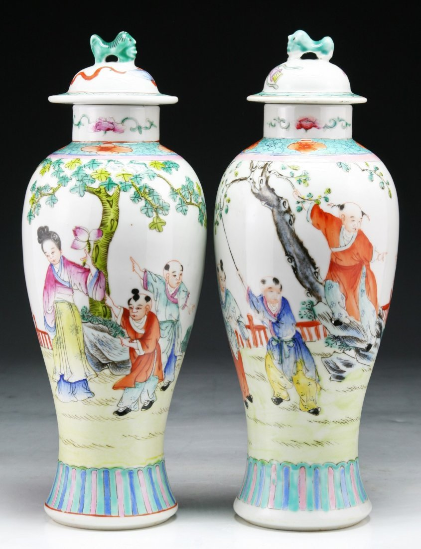PAIR CHINESE ANTIQUE FAMILLE ROSE PORCELAIN LIDDED