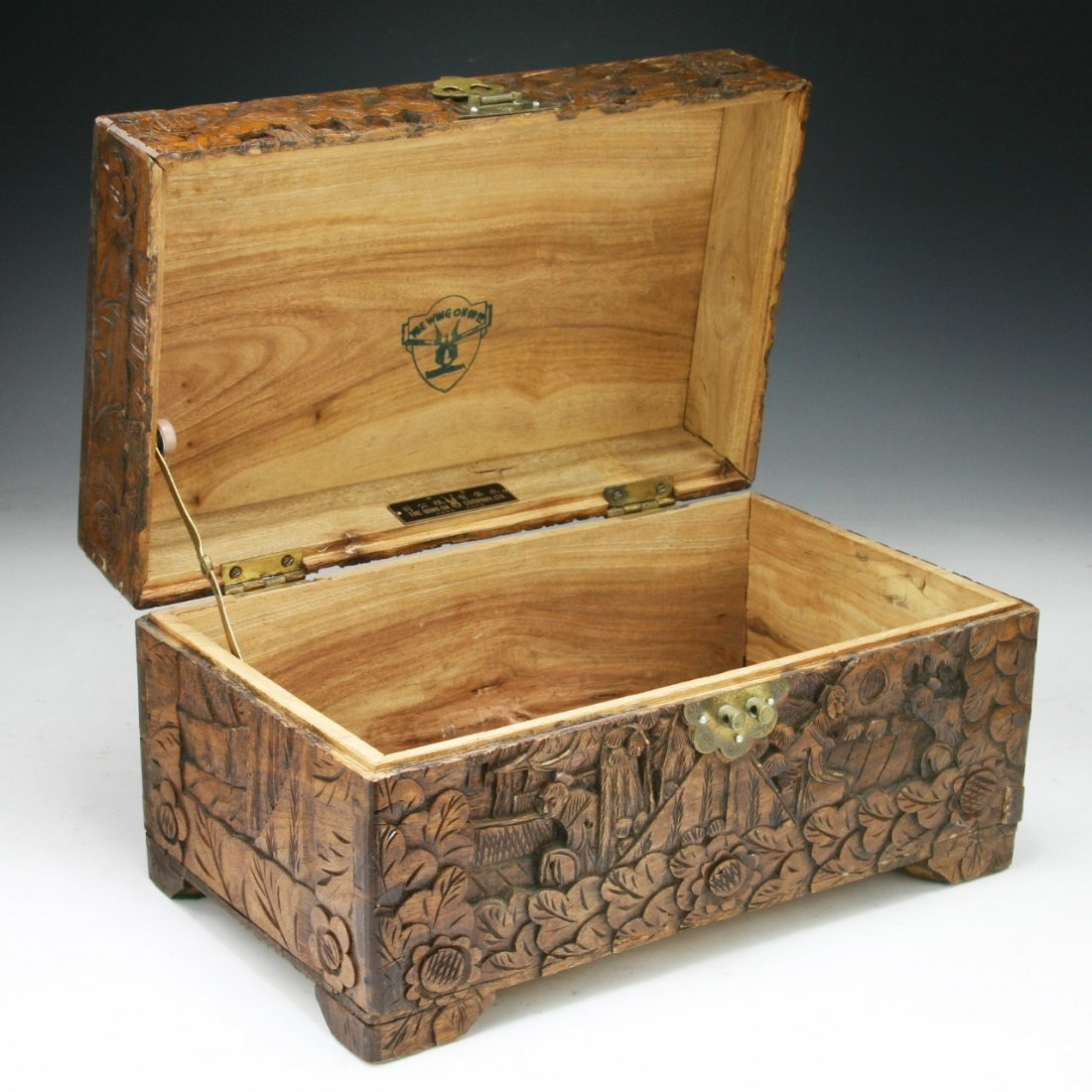 A CHINESE CAMPHOR WOOD BOX WITH COVER - 2