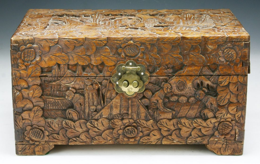 A CHINESE CAMPHOR WOOD BOX WITH COVER - 3