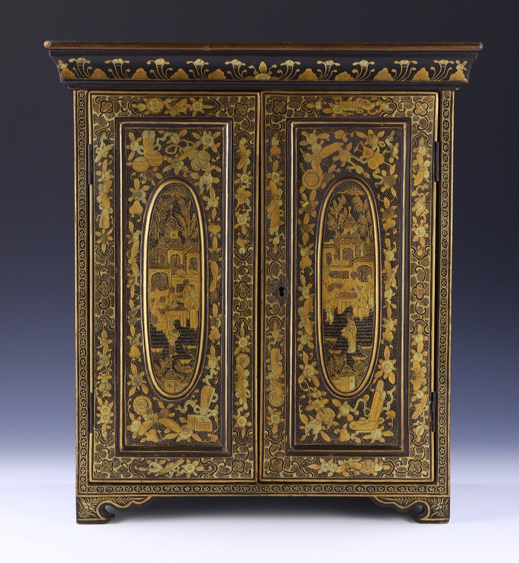 A CHINESE ANTIQUE LACQUER CABINET - 3