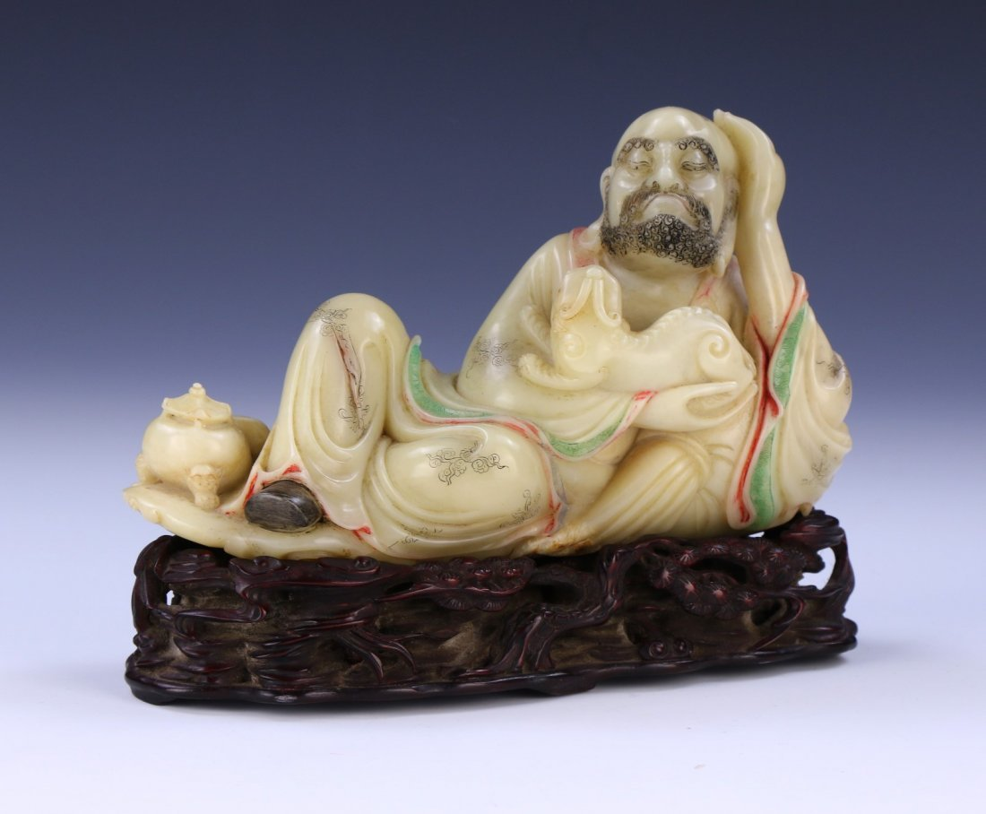 A CHINESE ANTIQUE SHOUSHAN SOAPSTONE CARVED LUOSHAN