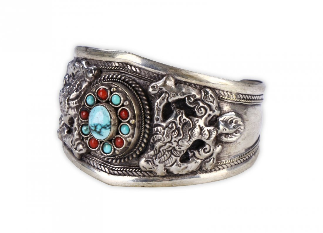 A CHINESE ANTIQUE CORAL, TURQUOISE, & SILVER BANGLE