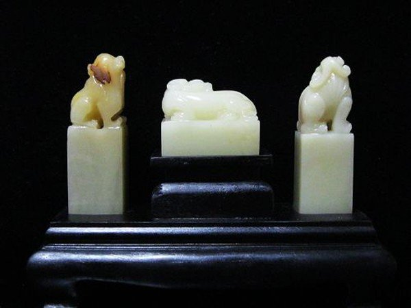 3: A Chinese Set of Three Soapstone Seals - 2