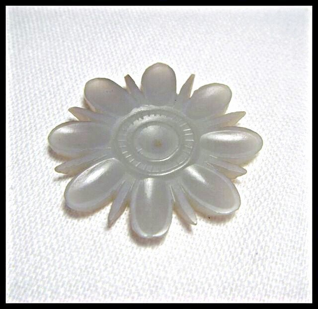 16: A Chinese Antique White jade Flower , size: 3 X 0.3