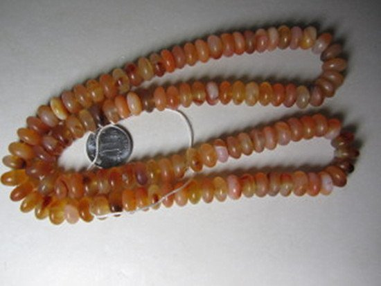 70: An Old Natural Agate Beads Necklace