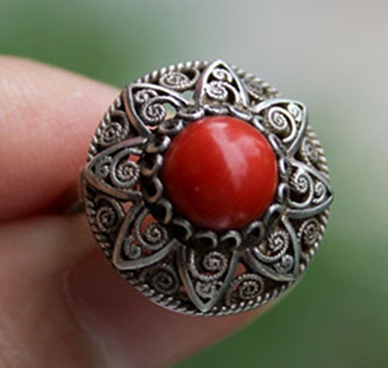 1: A 800 Silver Red Coral Bead Inlaid Ring