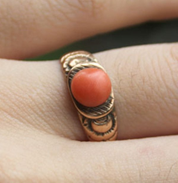 2: A 14K Gold Red Coral Bead Inlaid Ring