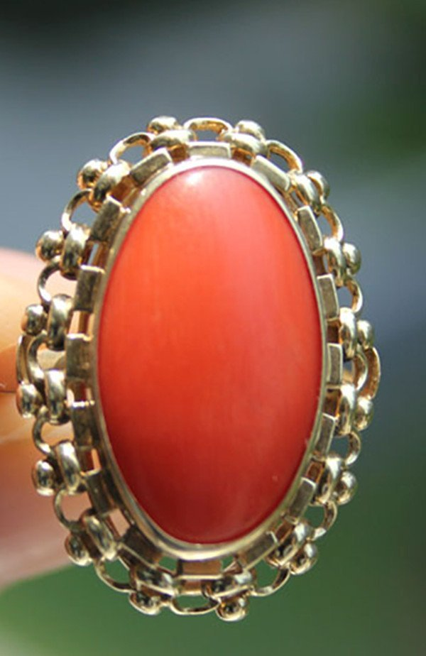 5: A Vintage 14K 858 Gold Red Coral Bead Inlaid Ring