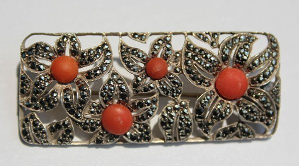13: A Vintage 935 Silver Red Coral Bead Inlaid  Brooch