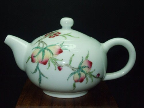 Fine Chinese Famille Rose Teapot