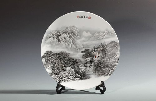 Fine  Large Chinese Famille Rose Plate