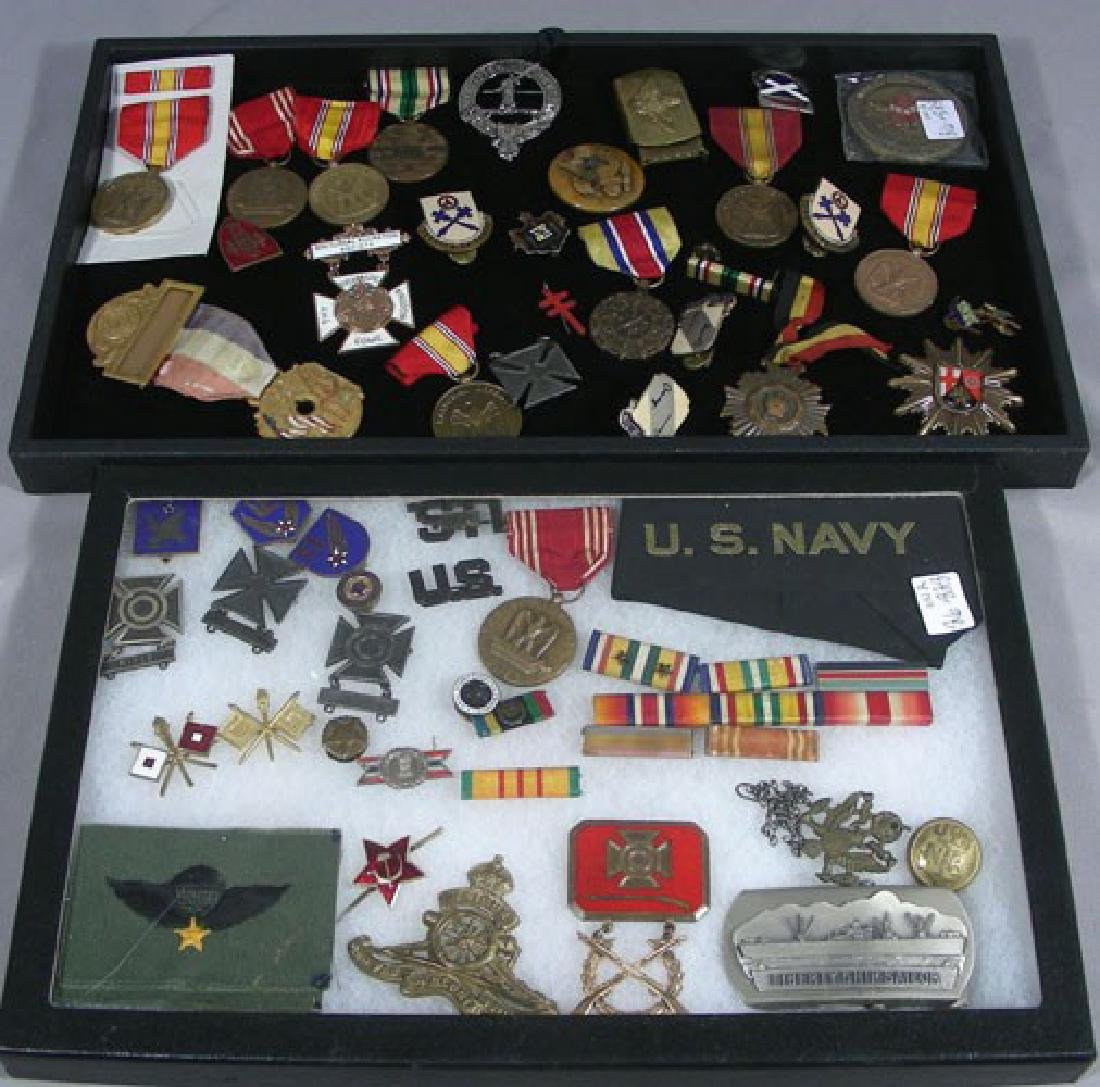 GROUP OF WAR MEDALS AND PINS
