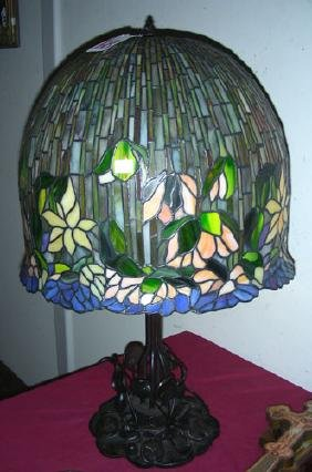 HEAVY METAL AND LEADED GLASS WISTERIA STYLE TABLE LAMP