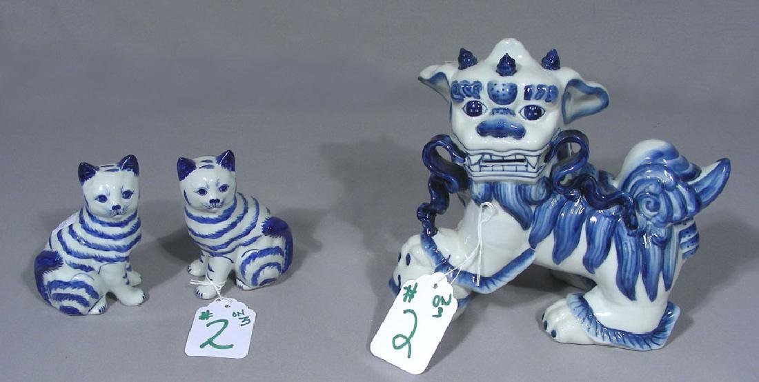 THREE PIECE CHINESE PORCELAIN SET