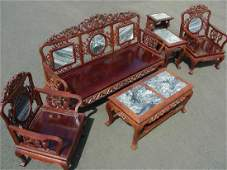 OUTSTANDING ANTIQUE CHINESE HAND CARVED ROSEWOOD AND