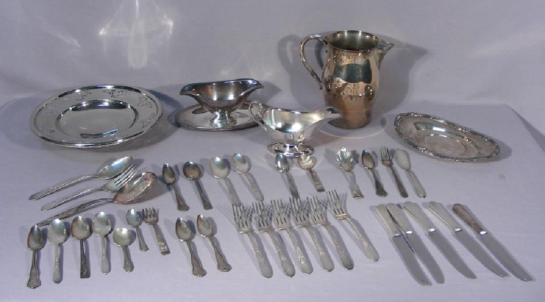 GROUP OF VINTAGE SILVER PLATED ACCESSORIES