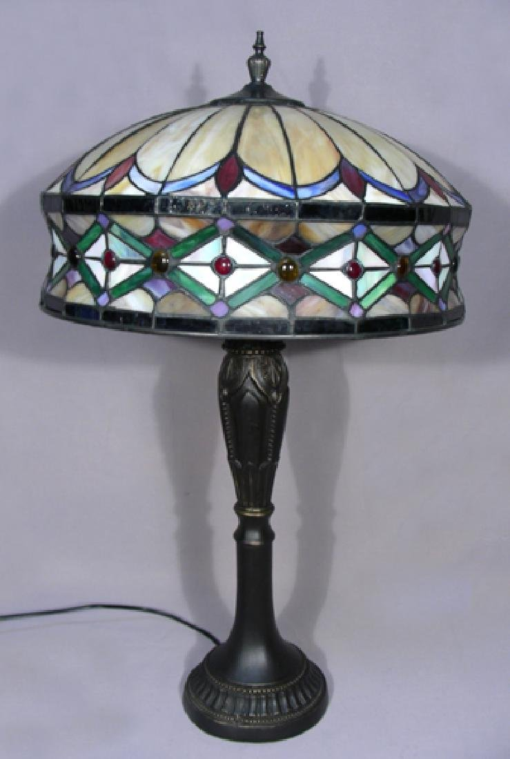 COMPOSITION & LEADED GLASS TABLE LAMP