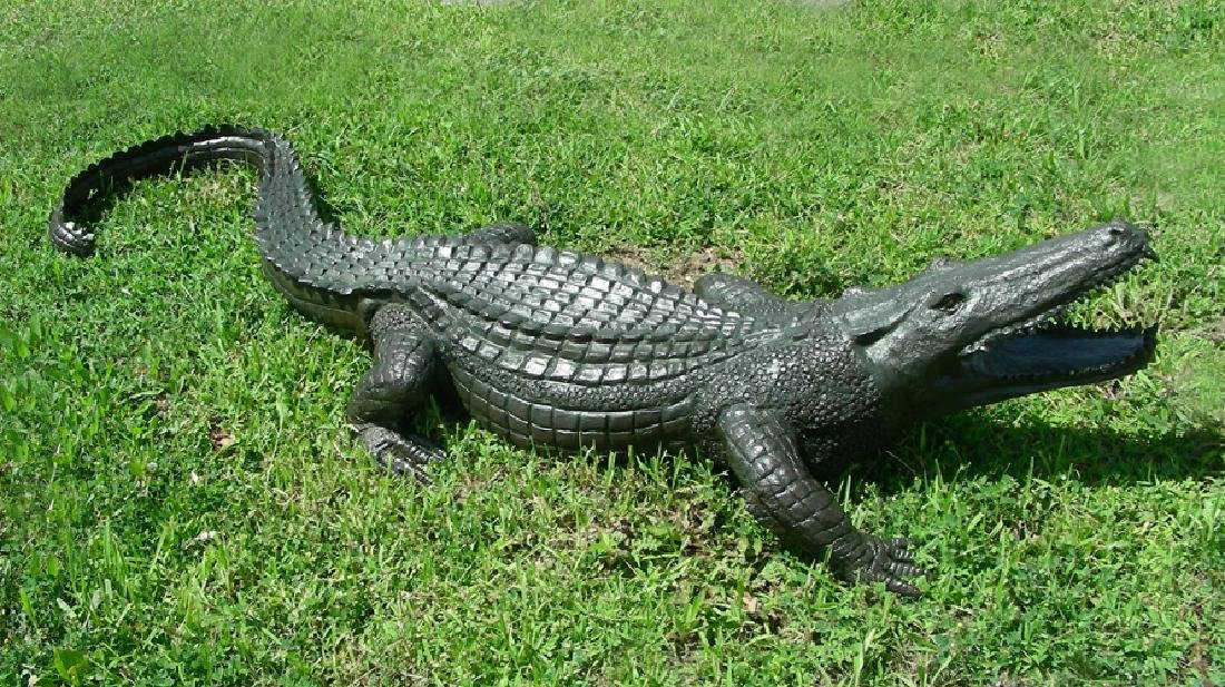 BRONZE SCULPTURE/FOUNTAIN OF LIFE SIZE ALLIGATOR