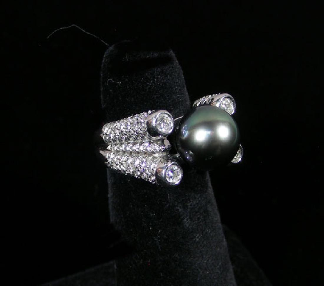 LADIES PLATINUM, BLACK PEARL & DIAMOND RING