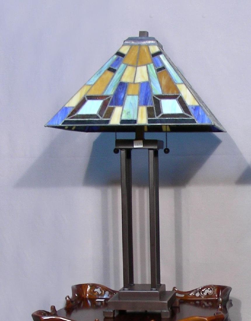 METAL AND LEADED GLASS TABLE LAMP