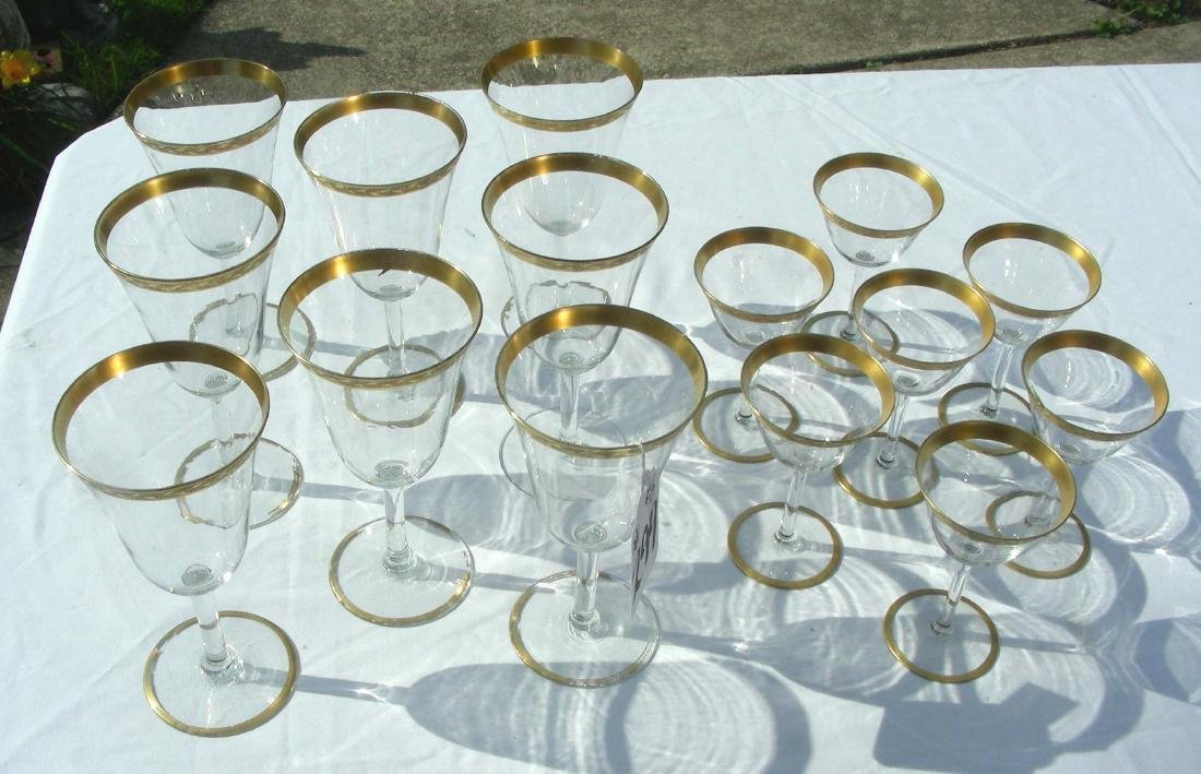 CRYSTAL STEMWARE SET WITH GOLD DECORATIONS