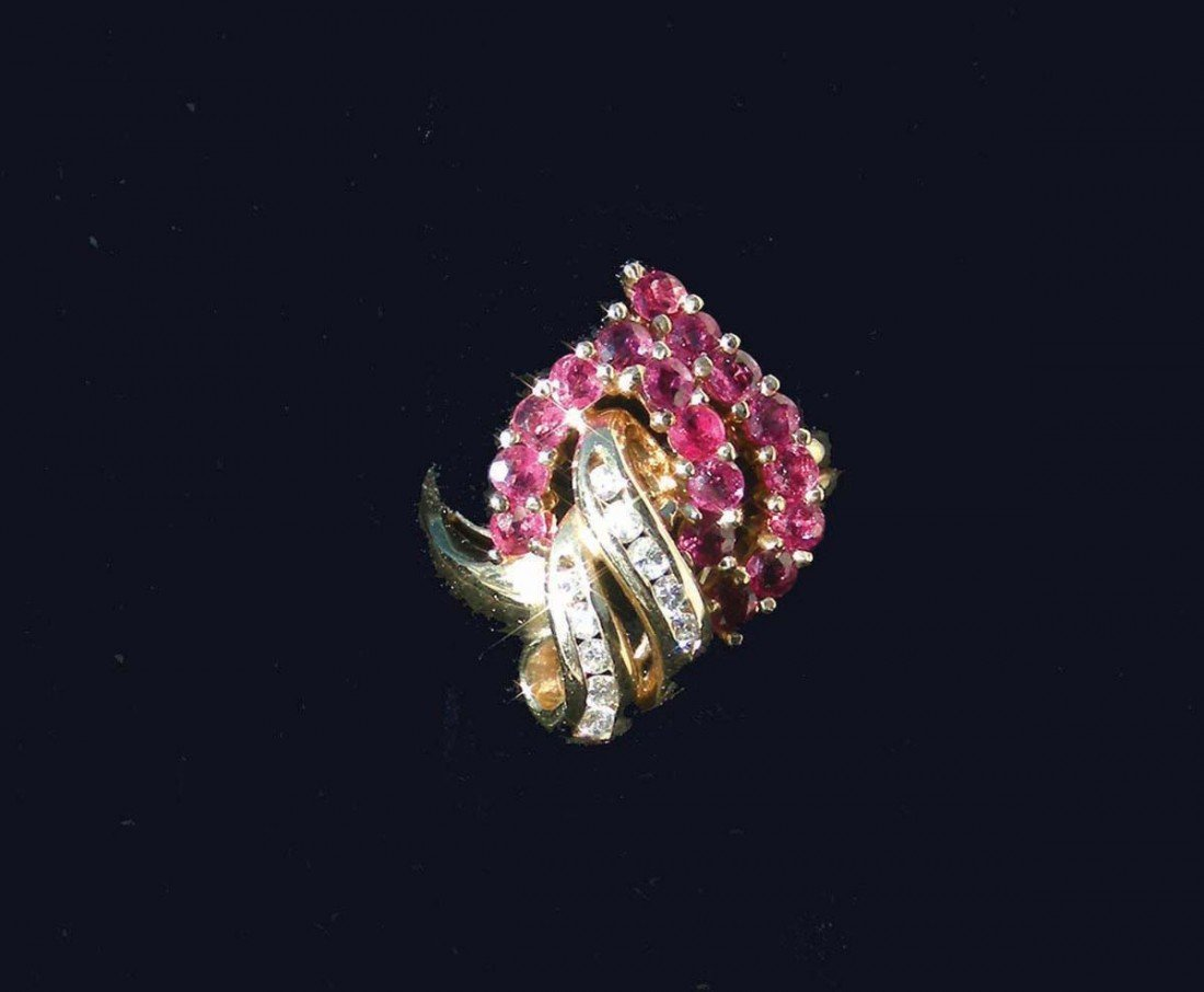 23: LADIES 14K YELLOW GOLD, RUBY AND DIAMOND RING