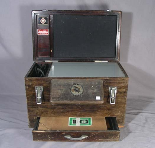 11: OLD WOODEN PHOTO COPIER