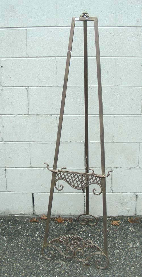 21: ORNATE METAL EASEL
