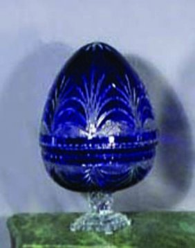 EUROPEAN CUT CRYSTAL EGG