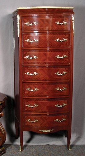 74: FINE FRENCH STYLE WOOD AND ORMOLU SEVEN DRAWER LING