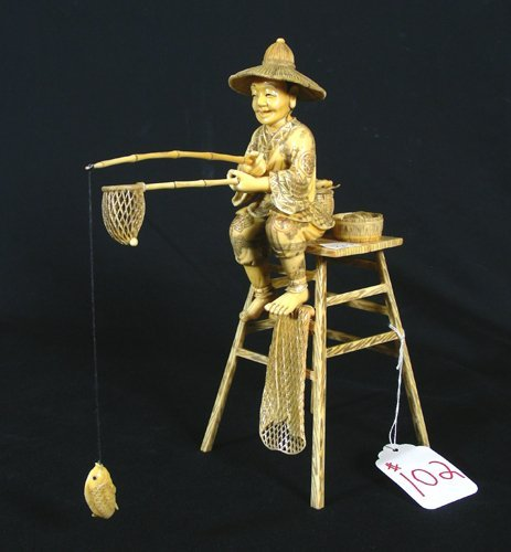 102: FINE HAND CARVED CHINESE IVORY FISHERMAN