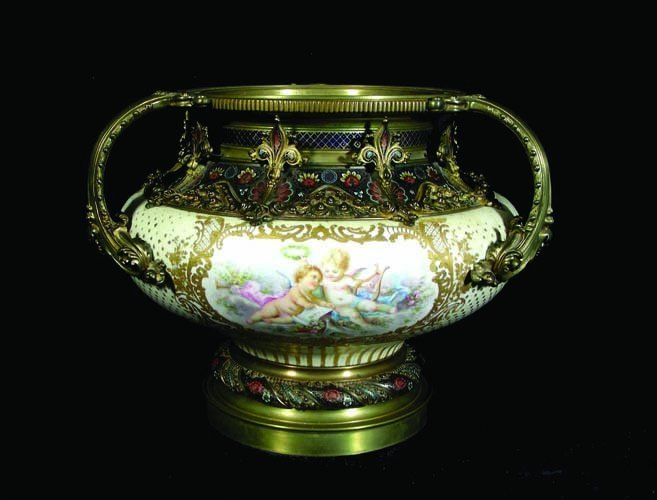 104: 19TH CENTURY FRENCH SEVRES STYLE HAND PAINTED PRCE