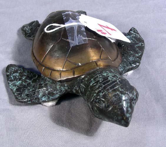 7: BRONZE SCULPTURE OF SEA TURTLE