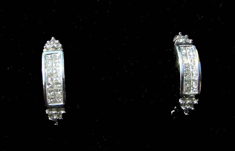 23: PAIR LADIES 14K WHITE GOLD AND PRINCESS CUT DIAMOND