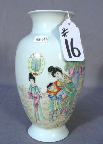 16: HAND PAINTED CHINESE PORCELAIN VASE