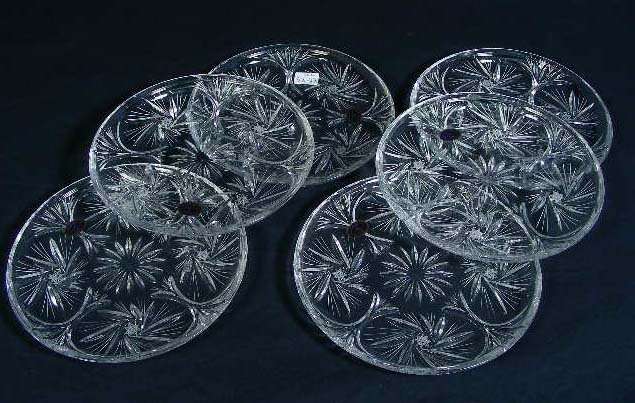 10: GROUP OF SIX EUROPEAN CUT CRYSTAL PINWHEEL PLATES