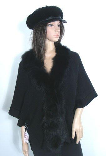 BLACK SWEATER CAPLETTE WITH BLACK FOX