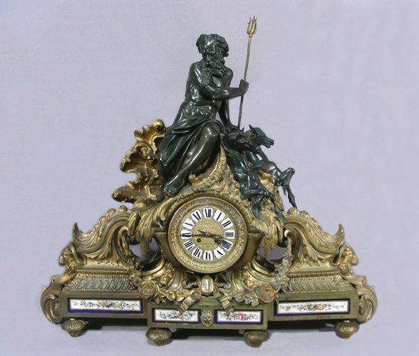 19TH CENTURY FRENCH DORE BRONZE FIGURAL MANTLE CLOCK