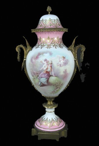 19TH CENTURY HAND PAINTED SEVRES PORCELAIN URN
