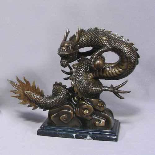 FINELY DETAILED BRONZE SCULPTURE OF DRAGON