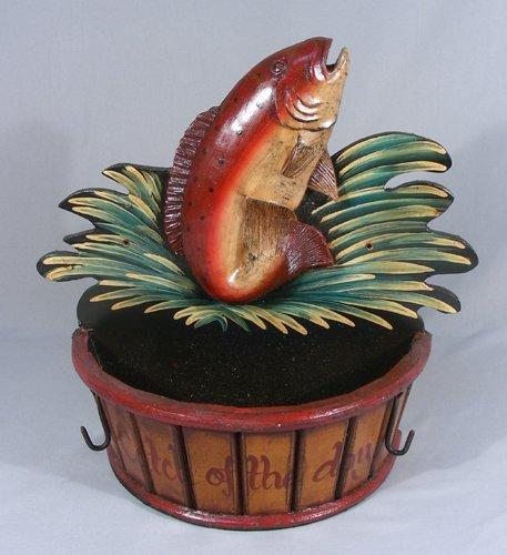 WALL MOUNT BASKET WITH FISH MOTIF